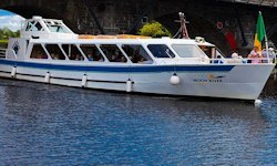 Carrick on Shannon Moon River Cruise